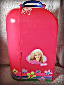 BARBIE ~ DOLL CASE & ROOM (HOLDS 1 DOLL) Kitchener / Waterloo Kitchener Area image 3