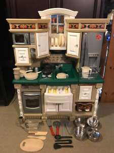 Step 2 - Lifestyle Dream Kid's Kitchen Play Set