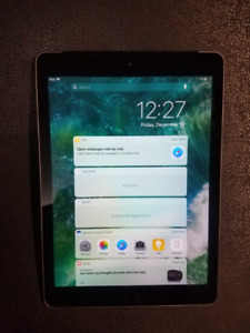 MINT CONDITION IPAD 5 SPACE GREY WIFI/LTE 32GB