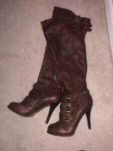COGNAC LIKE NEW SIZE 8 LEATHER BOOTS