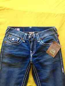 TRUE RELIGION T29 A T32 neuf