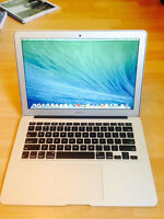 "Macbook Pro 13"" i5 1.4 Ghz 4gb Ram 256 HD"