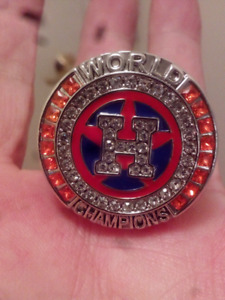 LARGE HEAVY HOUSTON ASTROS WORLD SERIES CHAMPIONSHIP RING