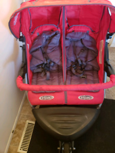 double stroller in great condition