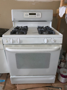 Natural Gas Stove/Oven - White