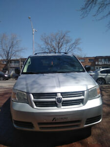 DODGE CARAVAN STOW AND GO 2009 V6 3.3 L 137 000KM