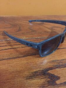 2 pairs of real oakleys for sale  Stratford Kitchener Area image 3