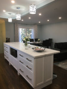 *GORGEOUS CUSTOM KITCHENS, CABINETRY ,VANITIES & CLOSETS*