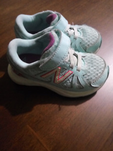 New balance toddler shoes size 7.5