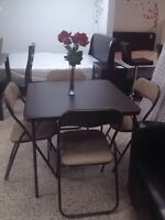 TABLE & 4 CHAIRS FOR ONLY 75$