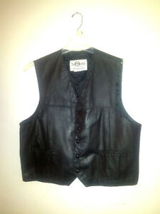 MENS LEATHER VEST.  MADE BY THE OLD MILL IN BLYTHE