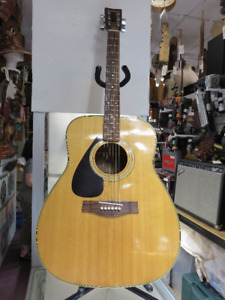 Yamaha Acoustic Guitar(left handed) W/soft shell case