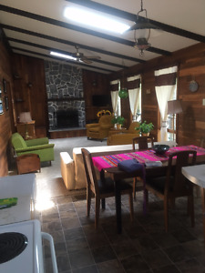 3 Bedroom Cottage 10 Minutes North of Gimli in Spruce Sands
