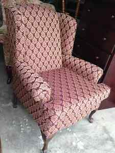 Beautiful Queen Ann Wing Back Chair (LIKE NEW)