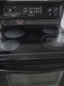 Black Frigidaire Glass Stove in Great Condition