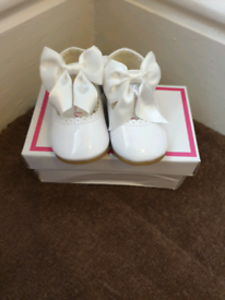 White Baby Spanish shoes with bows