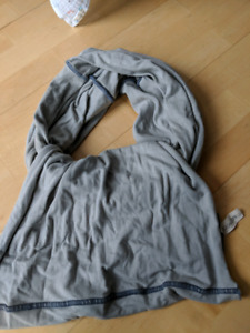 Huggaloops baby carrier size 0
