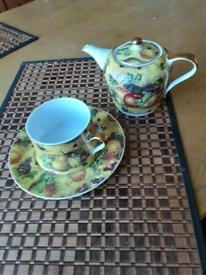 Tea Cup, Saucer and Teapot Trio GENUINE BARGAIN!