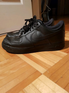 MEN'S NIKE BLACK AIR FORCE 1 SIZE 10 (BARELY USED)