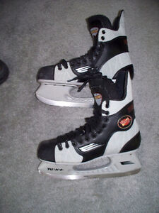 Men's BAUER Vapor 6 Hockey Skates