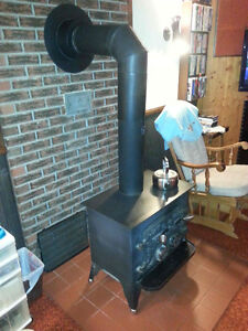 Wood Stove With 1+ Cord of 2yr Dry Wood