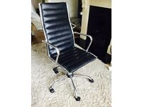 BEAUTIFUL BLACK LEATHER AND CHROME DIRECTORS CHAIR ADJUSTABLE HEIGHT