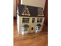 Dolls House (excellent condition)