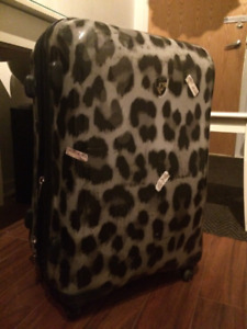 SUITCASE FULL OF CLOTHES (Puma, Columbia, Guess, Jacob, Fluvog)