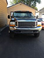 PICK UP F-350 larial LE V-10 TRITON. 4x4