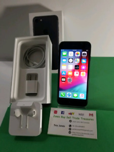 Unlocked iPhone 7 32GB like NEW