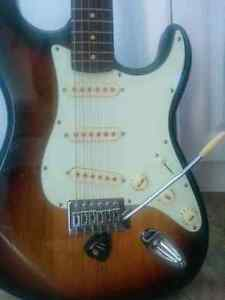 Electric Guitar, Amp, microphone+stand, guitar case