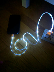 White LED charger - iPhone/iPad/iPod