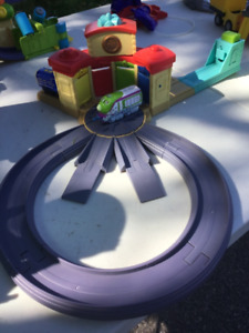 Chuggington Roundhouse Playset with Train Launcher!
