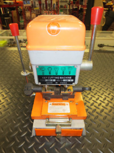 339C Key Cutting Machine