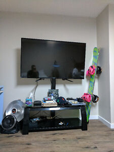 """55"""" 1080P FULL HD LED TV W/STAND AND MOUNT + 4 YEAR WARRANTY"""