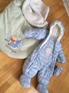 combinaison pour le bébé pour l'hiver