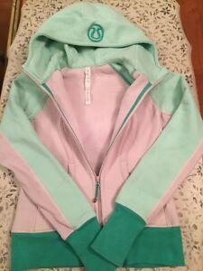 Lululemon dune / fresh teal scuba hoodie