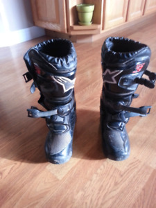 Kids dirtbike boots size 2