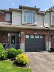 Freehold unit - 105 Magnolia Cres, Grimsby