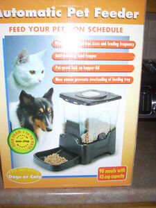 SainStyle Automatic Petfeeder w/LCD Display