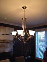 Luminaire-chandelier, lampe salle a maner