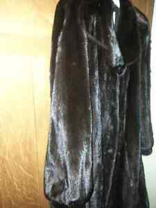 Fur coat-dark ranch mink 3/4 length Peterborough Peterborough Area image 4