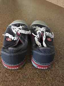Crocs Lace Up Runners Size 1 Kids Strathcona County Edmonton Area image 2