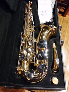 Alto Sax excellent condition, professional cleaned