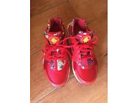 Red Nike hurarches size4