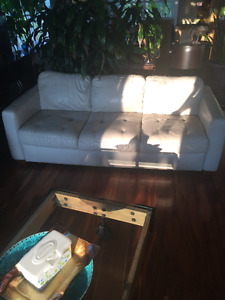 Sofa / Couche Off White Leather