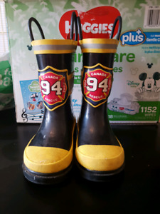 Boys rubber boots size 7