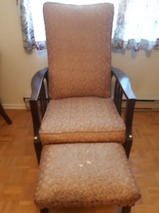 antique morris chair and footstool