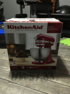 KitchenAid STAND MIXER-BRAND NEW IN BOX