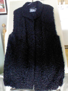 Manteau de fourrure en mouton de perce noir